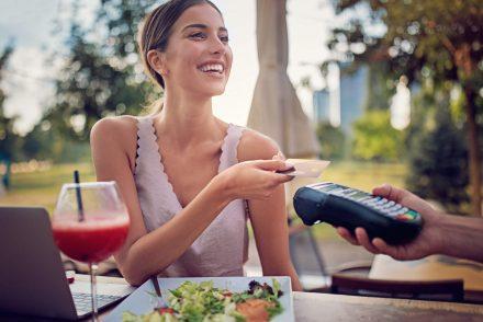 O que é cartão pré-pago e quais as vantagens de utilizá-lo?