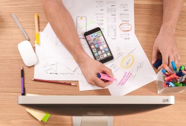 Computador, planilhas e celular: como financiar um projeto?